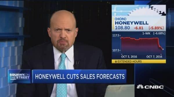 Cramer on Honeywell's sales forecast