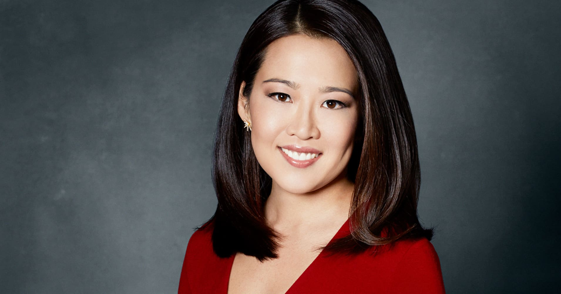 Aged 42, Gorgeous CNBC Journalist Melissa Lee