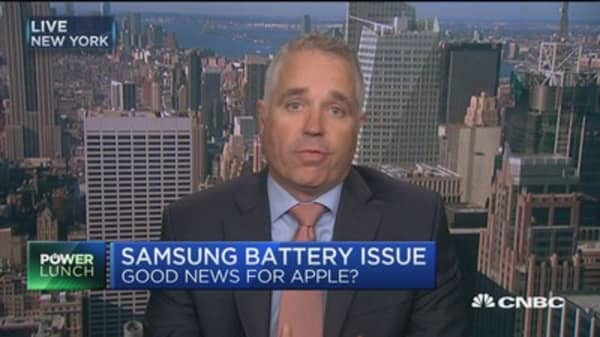 Analyst: Apple taking market share from Samsung