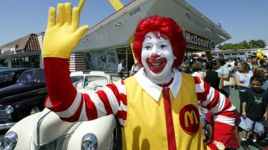 ronald mcdonald to lay low while creepy clown sightings on the rise