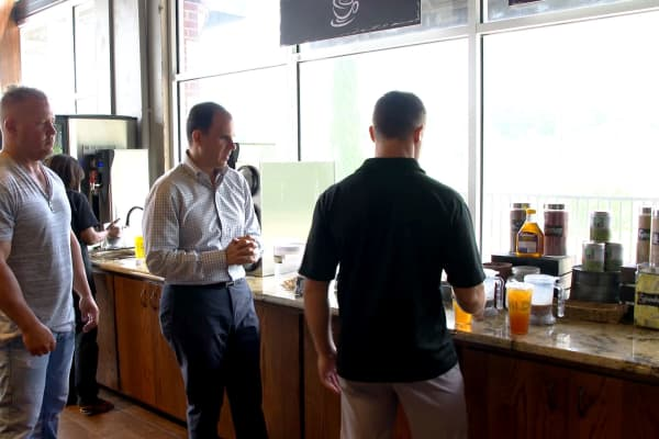 "Host of CNBC's ""The Profit"" Marcus Lemonis samples tea at Texas-based franchise Tea2Go."