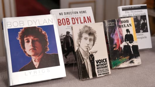 Books by US songwriter Bob Dylan who was announced the laureate of the 2016 Nobel Prize in Literature are displayed at the Swedish Academy in Stockholm, Sweden, on October 13, 2016.
