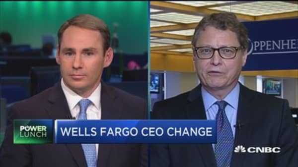 Wells Fargo Stumpf retires: What to do with the stock?