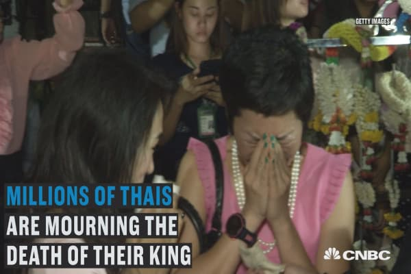 Millions mourn death of Thailand's king
