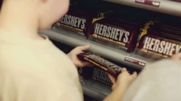 Hershey CEO plans to retire