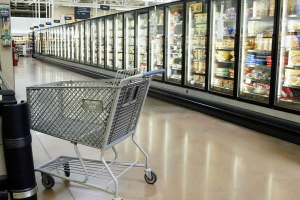Empty aisle and cart Walmart