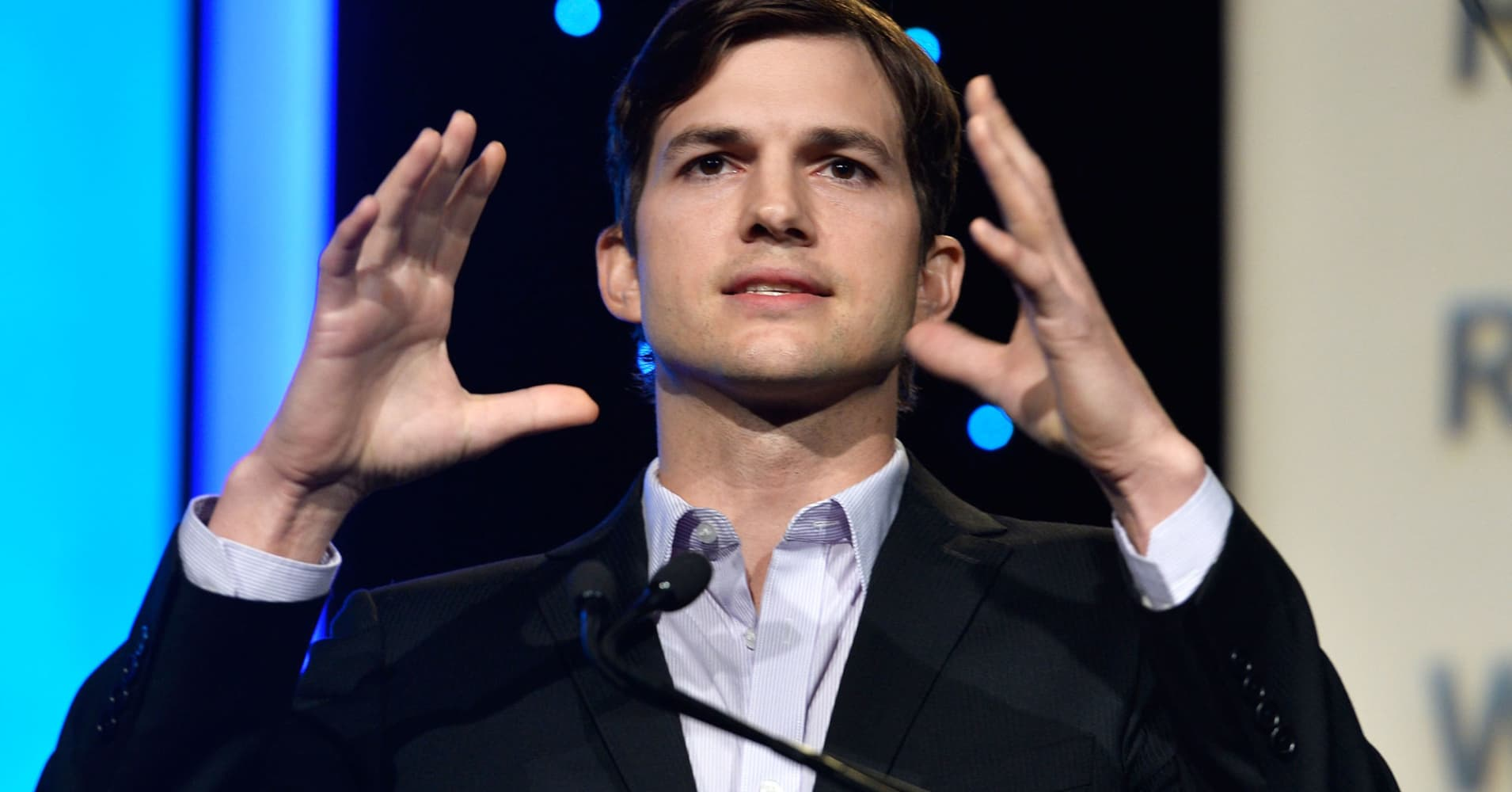 Ashton Kutcher: Technology will even take jobs from actors - 'It's happening right now'