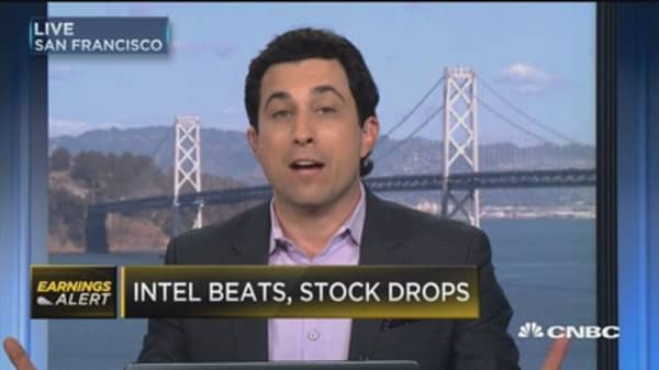 Intel beats, stock drops