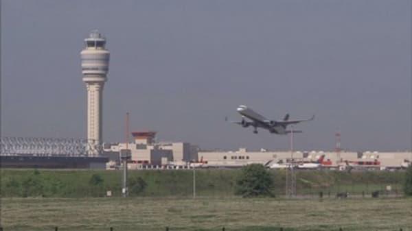 White House pushing for better airline passenger protection