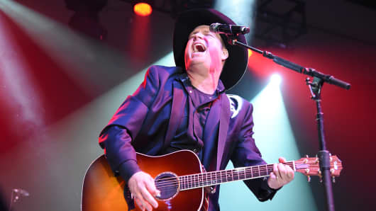 Garth Brooks performs onstage