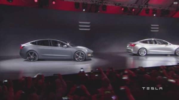 Tesla delays Model 3 delivery estimate for new orders