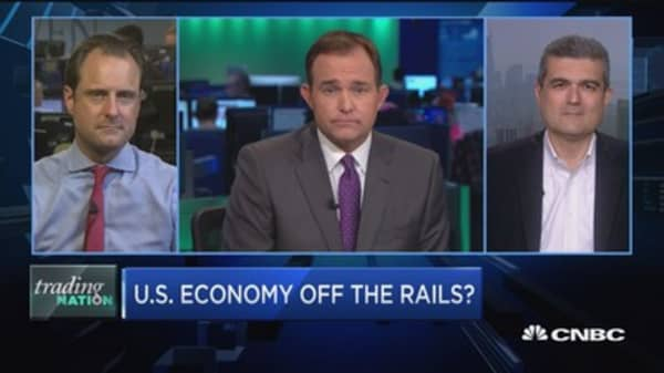 Trading Nation: US economy off the rails?