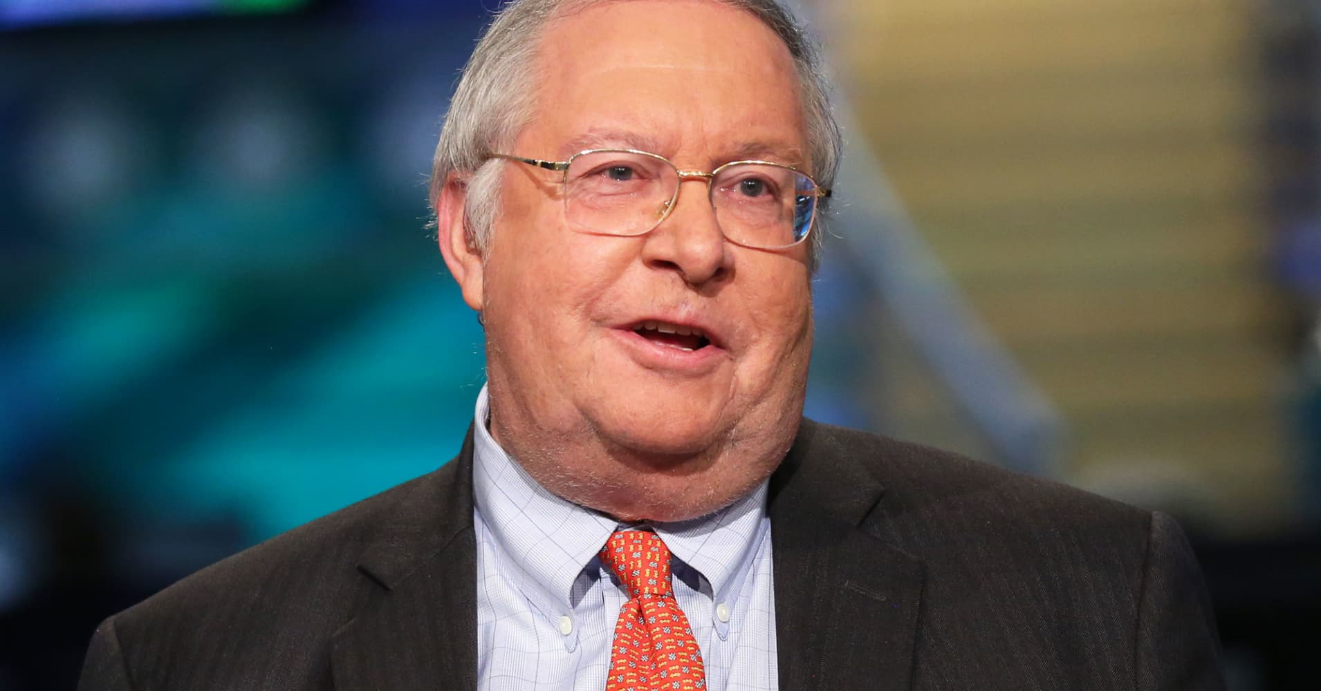 bill miller Miller value partners' bill miller holds the record for being the only mutual fund  manager to beat the market for 15 years in a row one way he.