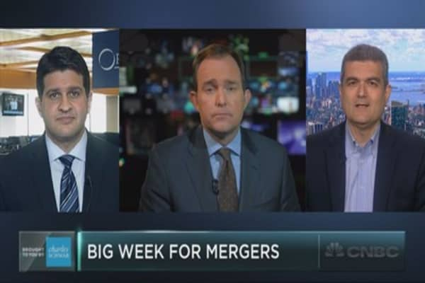 Mega mergers' signal to the market