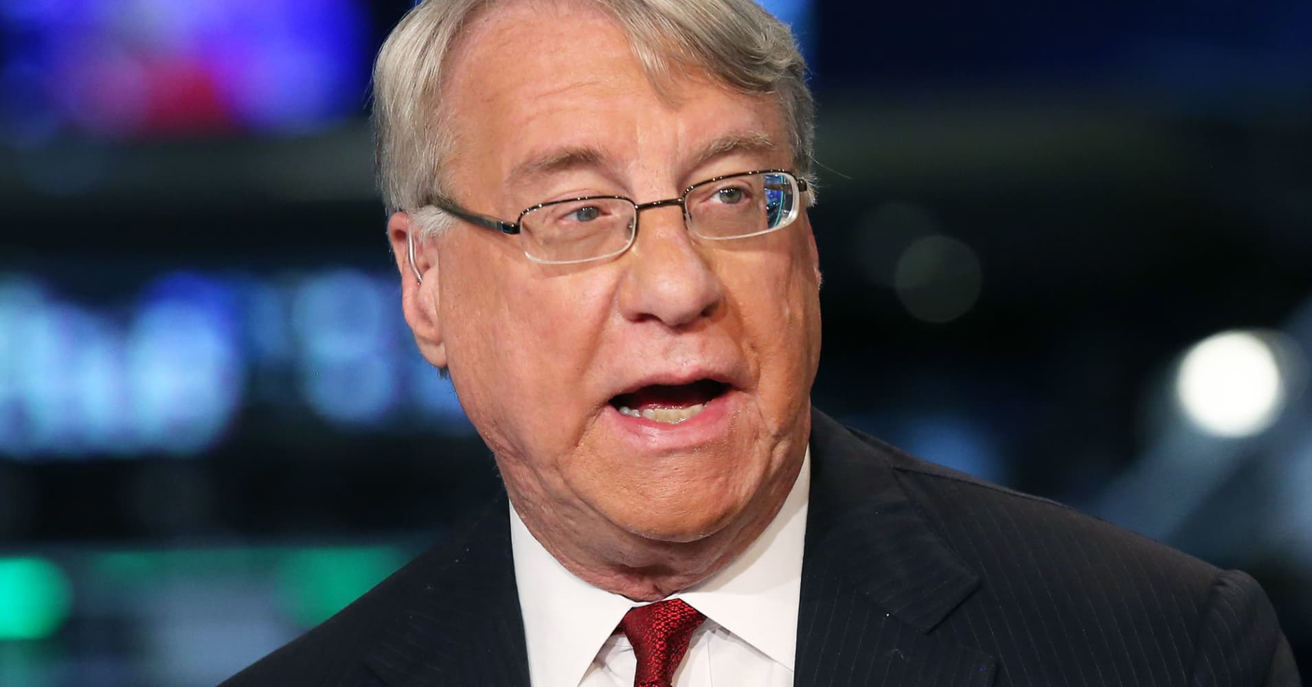 Short-seller Jim Chanos says Elon Musk 'may be misleading investors'