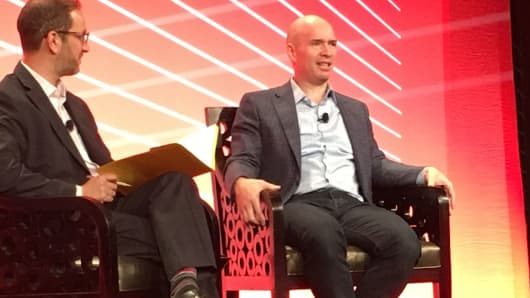 Ben Horowitz (right), Andreessen Horowitz partner talks about artificial intelligence and jobs at the TANIUM CONVERGE16 conference San Francisco.