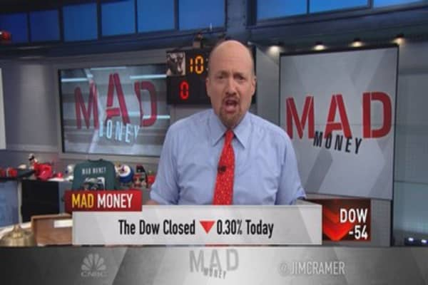 Cramer bites into Apple: Wall Street still ignoring the most important part of earnings