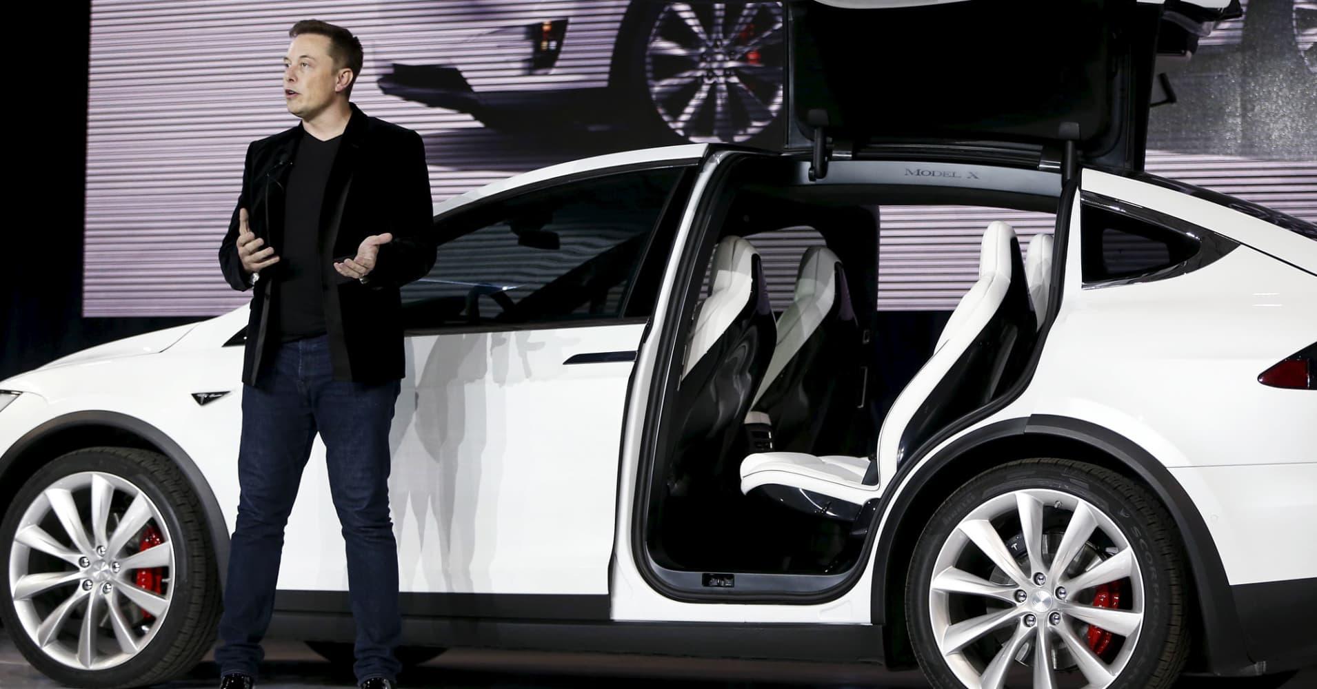 Tesla Motors Ceo Elon Musk Introduces The Falcon Wing Door On Model X