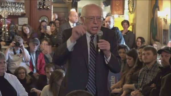 Bernie Sanders trying to stop AT&T and Time Warner merger