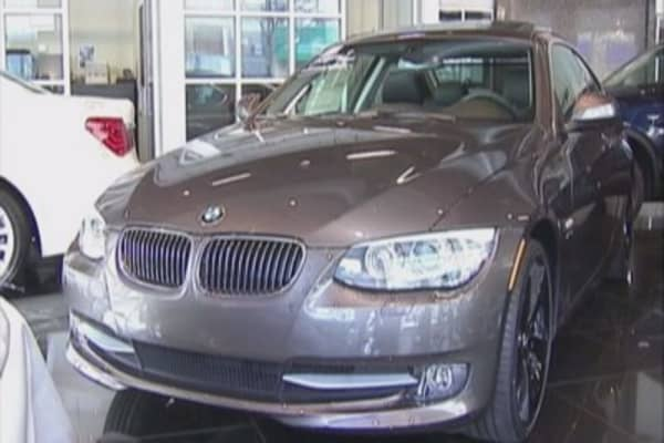 BMW recalls 136k cars in US over safety issue
