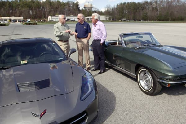 Colin Powell, Joe Biden, and Jay Leno featured on Jay Leno's Garage