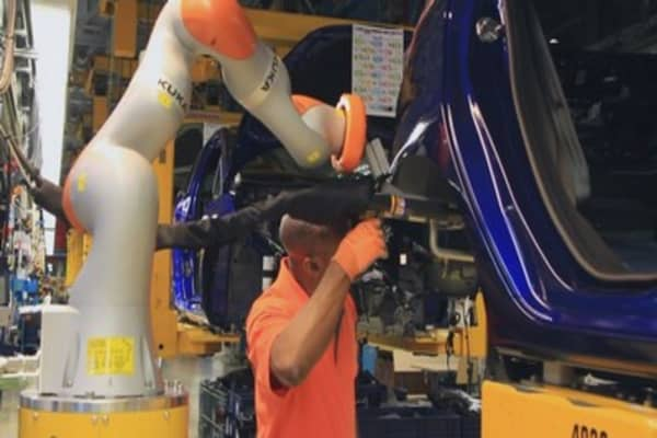 Ford's newest factory floor model isn't a car — it's a co-bot
