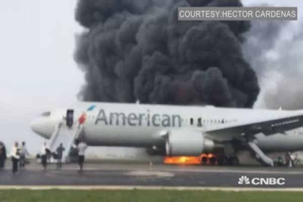 American Airline plane on fire in Chicago