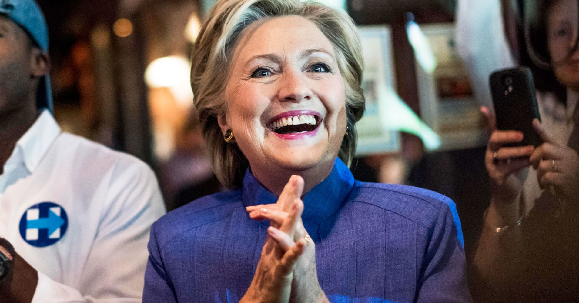 Poll On Eve Of Election Day Clinton Maintains Her Edge