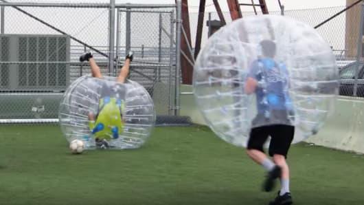 Bubble ball game