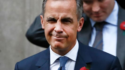 Bank of England governor Mark Carney leaves Number 10 Downing Street in central London, Britain October 31, 2016.