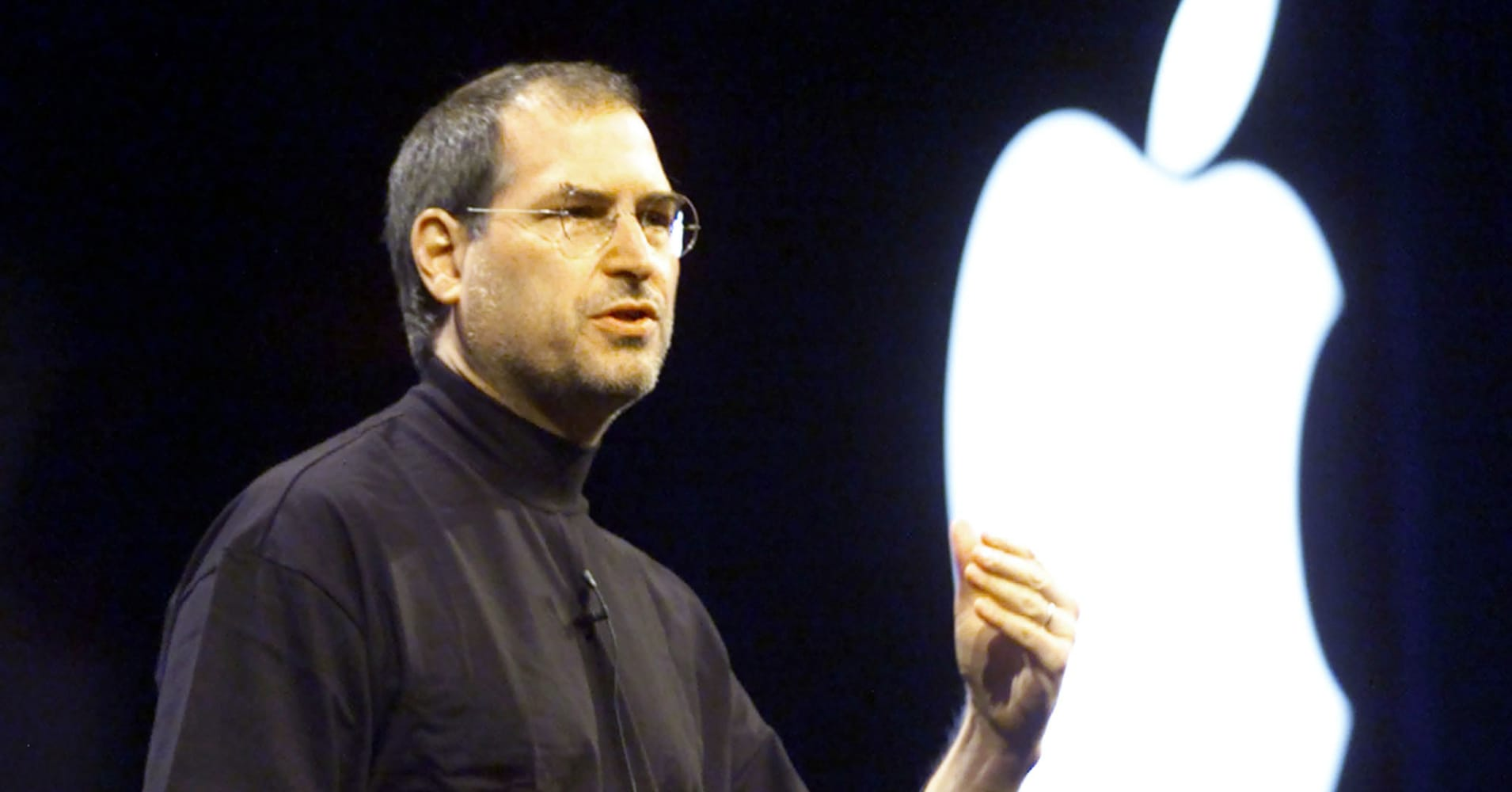Apple CEO Steve Jobs gestures during his keynote address at the Macworld Conference and Expo at the Moscone Convention Center in San Francisco January 9, 2001.