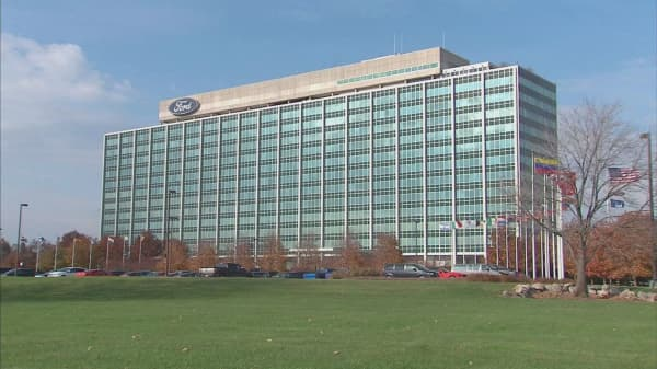 Ford headquarters catches fire, delays October auto sales