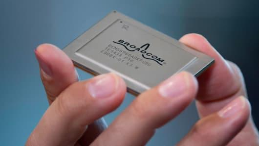 A Broadcom Corp. Tomahawk chip.