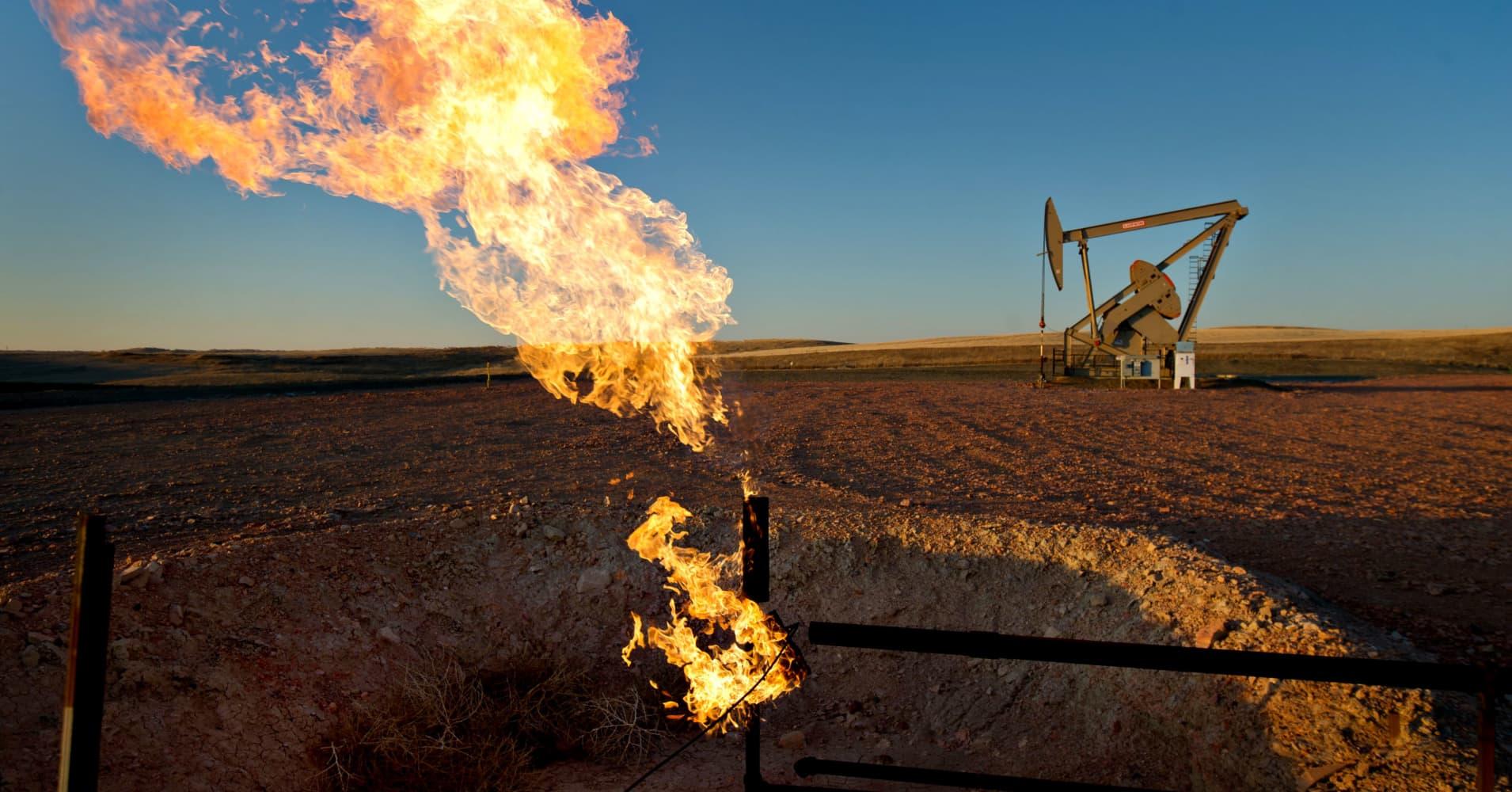 The oil market 'fever' pushing prices toward $100 won't break soon