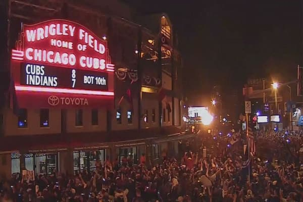 Chicago Cubs win 2016 World Series, ending the curse