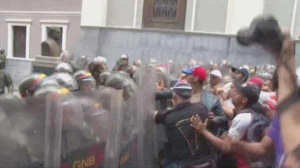 Venezuela crisis seems to deepen