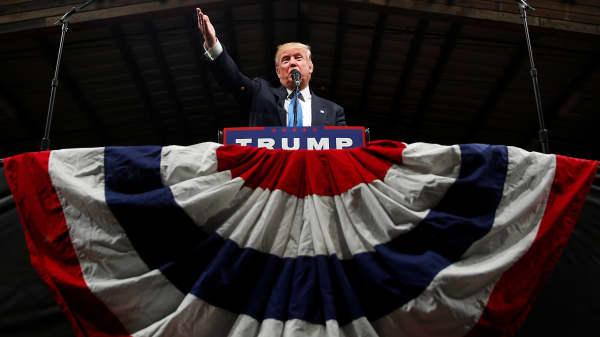 Republican presidential nominee Donald Trump attends a campaign event in Selma, North Carolina, U.S. November 3, 2016.