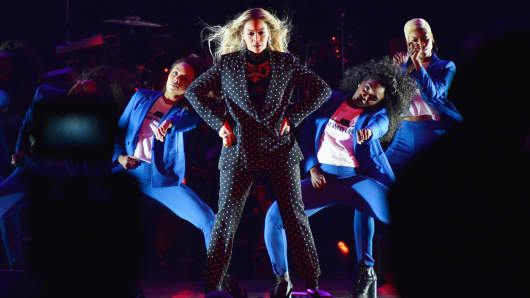 Beyonce performs on stage during a Get Out The Vote concert in support of Hillary Clinton at Wolstein Center in Cleveland, Ohio on November 4, 2016 in Cleveland, Ohio.
