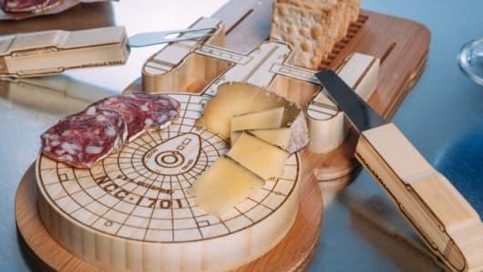 Star Trek Enterprise Cutting Board Set
