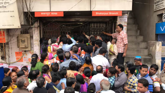 ong queues at Bank of Baroda at Shakarpur branch on November 10, 2016 in New Delhi, India.
