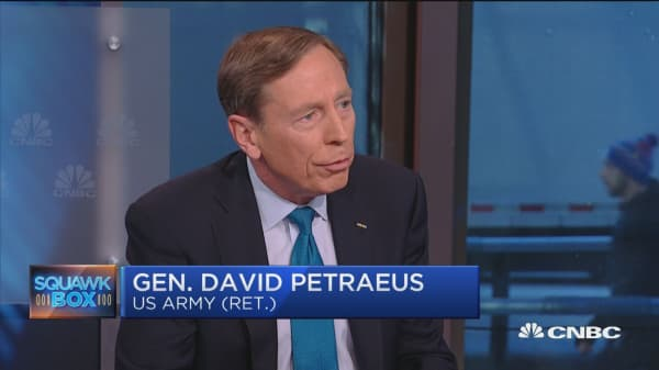 Gen. Petraeus: Smart businesses invest in veterans