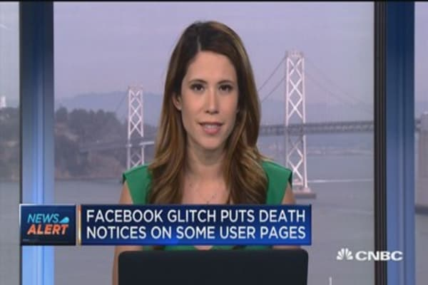Facebook glitch puts death notices on some user pages