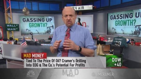 Cramer's 'best growth' oil play to benefit from Trump deregulation