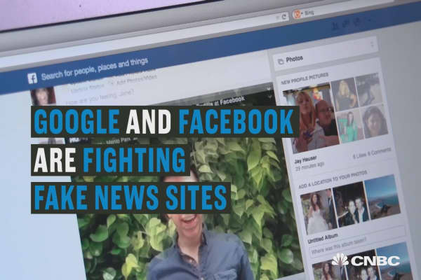 Facebook and Google are fighting fake news sites.