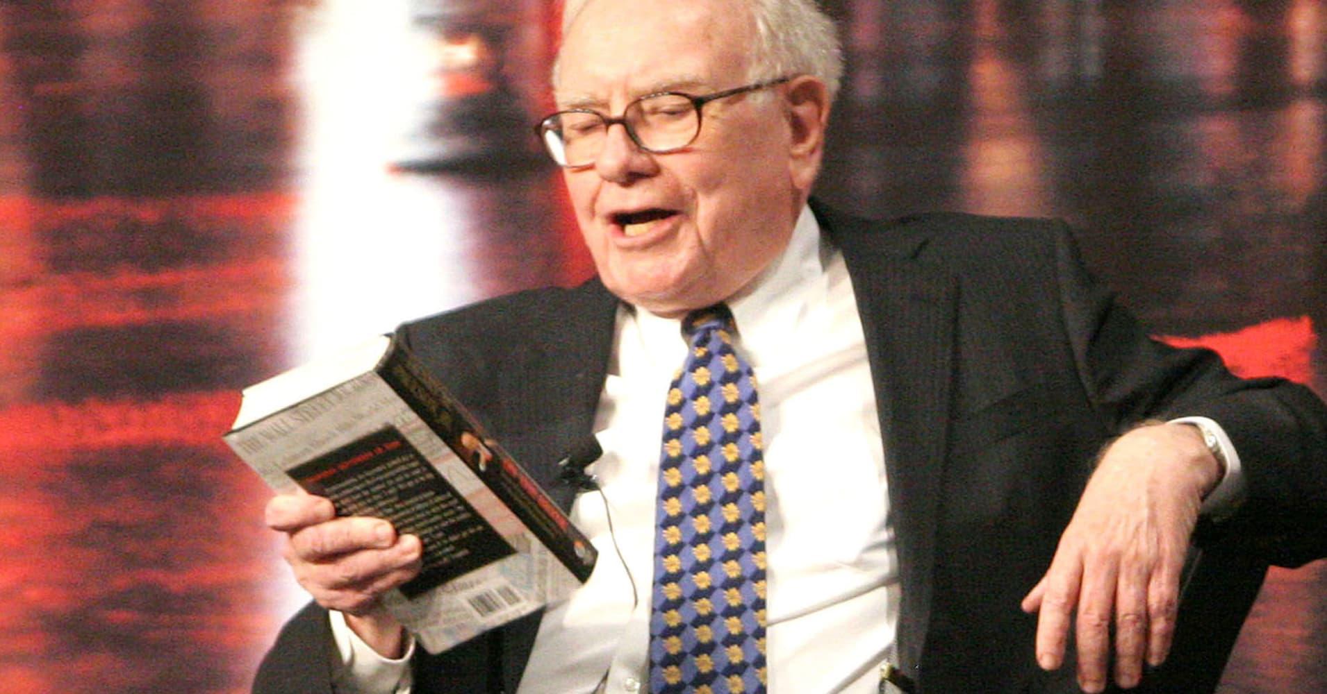 Resultado de imagen para buffett reading