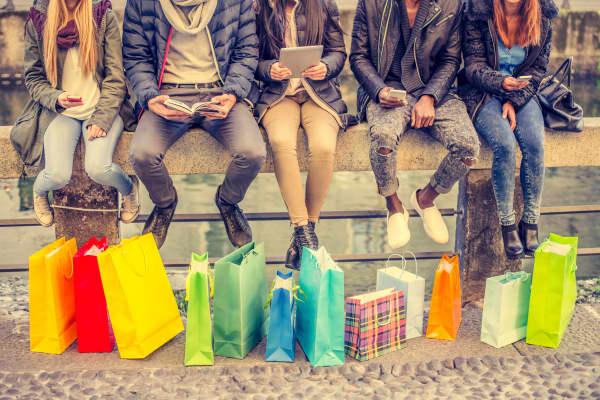 Teens shopping bags