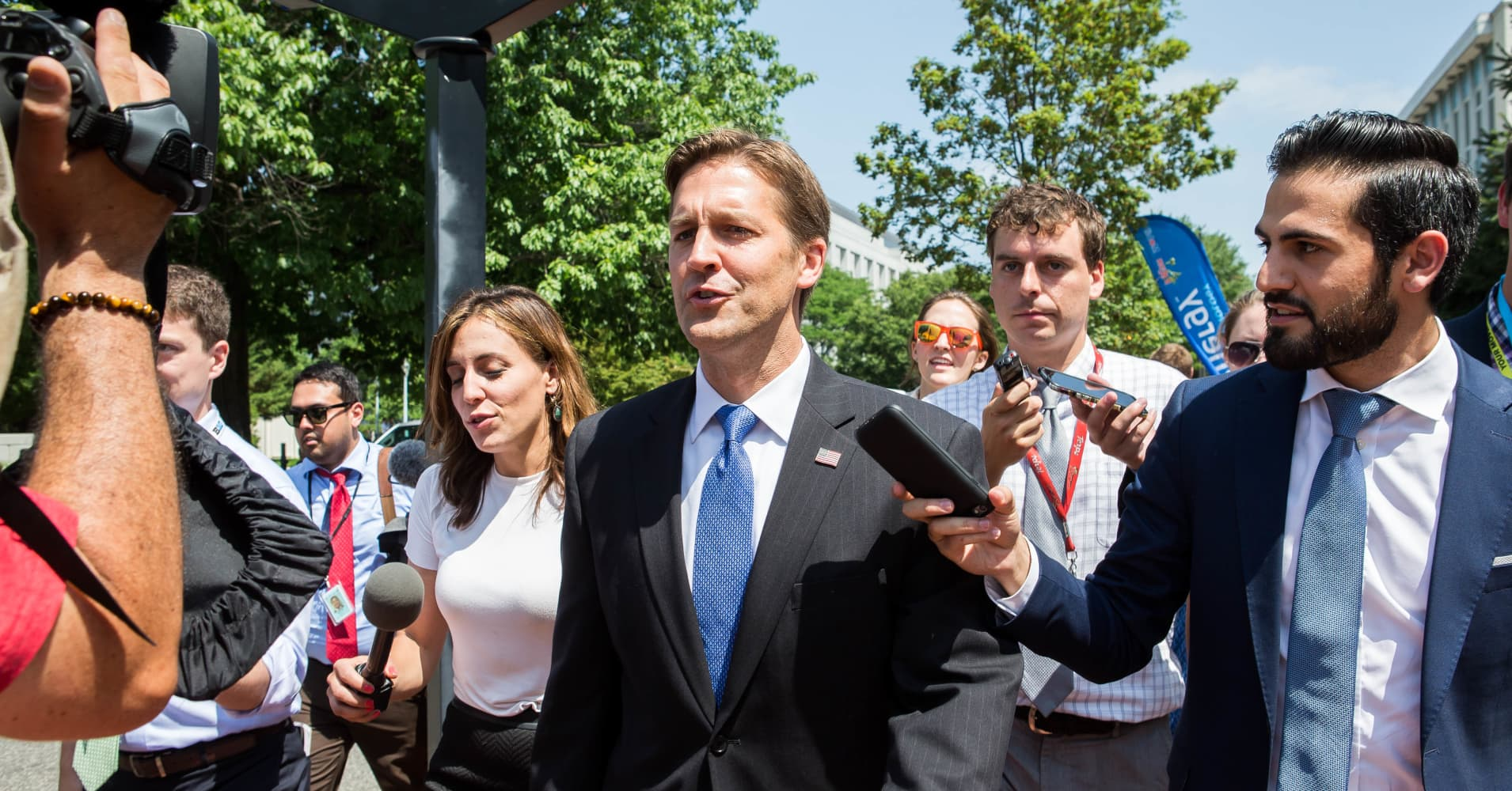 An Uber customer was surprised to see that her driver was Sen. Ben Sasse (R-NE).