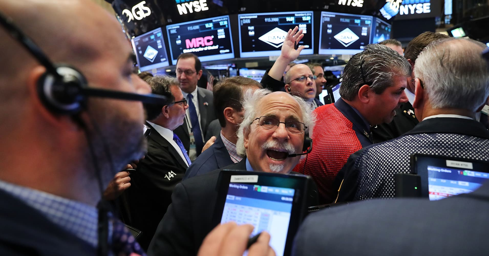 US Treasury yields tick lower as market volatility continues