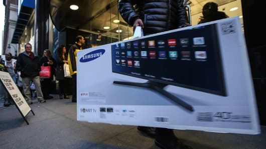 "It costs 2.5 times more to overnight a 55"" TV set from New Jersey to New York than it does to import it from South Korea to the U.S., according to Freightos."