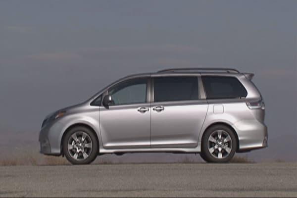 Toyota recalls 744K Sienna minivans in US